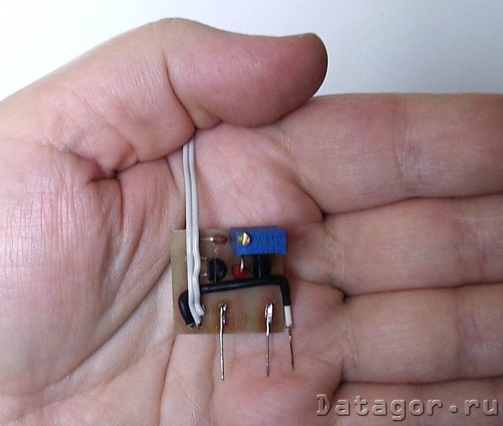 индикаторы в зу аа батареек схема