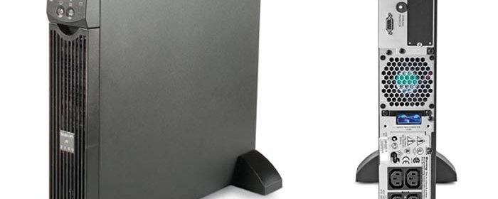 ИБП APC Smart-UPS SURT2000XLI после включения отключает выходное напряжение